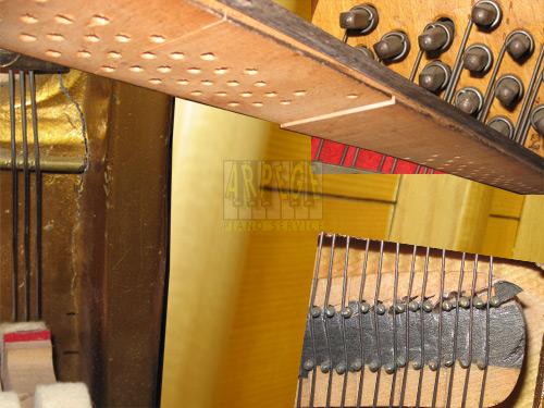 Causes du désaccord d'un piano, dommages des bois de lutherie fragilisant la tenue d'accord