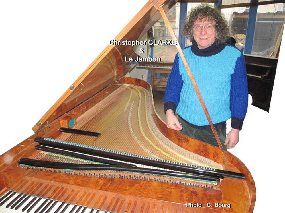"""Christopher CLARKE, facteur de piano-forte et """"Le Jambon"""", création du Maître facteur et affineur"""