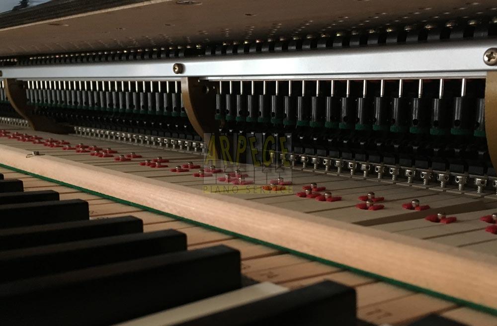 Boutons d'échappement en carbone ABS sur piano Kawaï Shigeru SK3