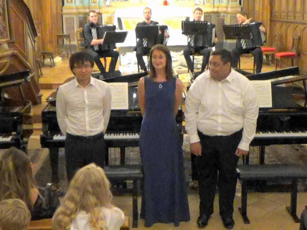 Phi Linh Ngo, Anya Ricois Potapov, Ilo Razakarivony. Concerto BWV 1063 en Ré m pour trois piano. J.C. Bach