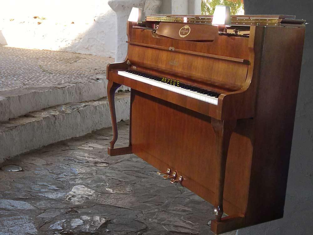 Piano Schimmel 112-9C finition noyer poli brillant, fait à Braunsweig, Allemagne