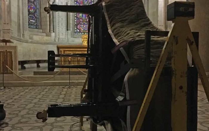 Installation piano concert à l'Abbaye Ainay Lyon. Arpege-Piano-Service