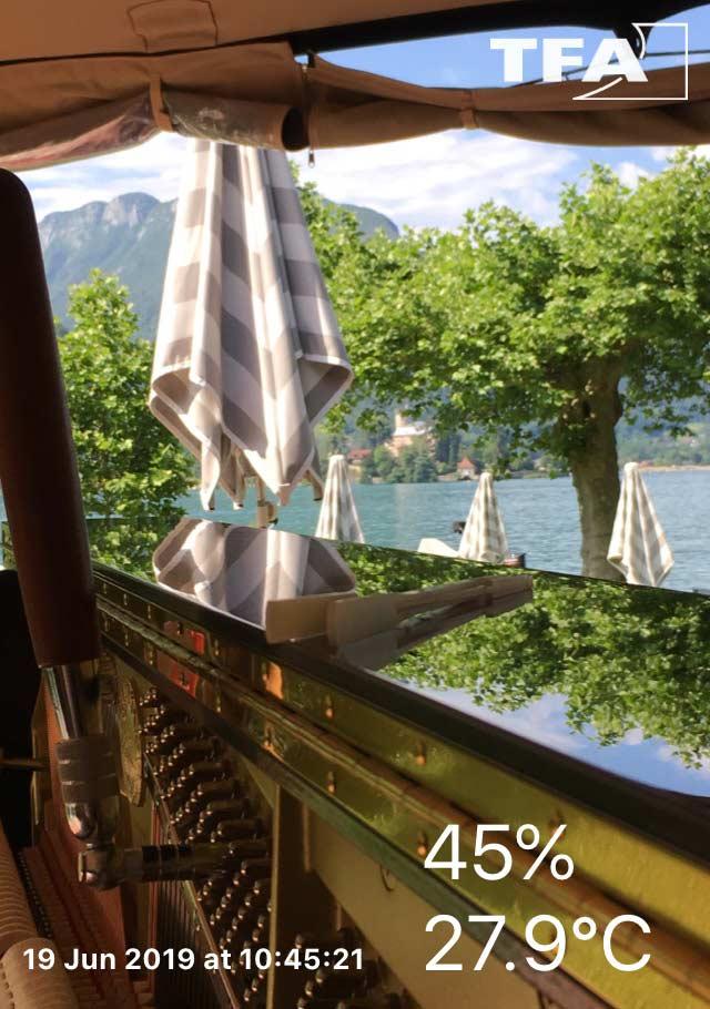 Piano les pieds dans l'eau à l'hotel Beau-Site à Talloires pour mariage, température et hygrométrie
