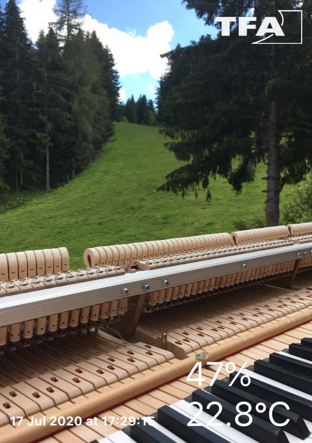Affinage des réglages de mécanique de piano à queue, pour stage musicaux en Tarentaise, été 2020